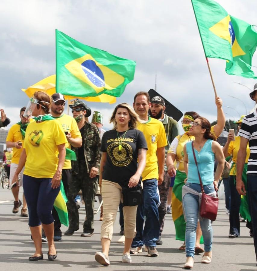 Alvo de operação da PF, Sara Winter chama Alexandre de Moraes de ...