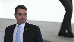 Witzel e Flávio Bolsonaro prestam depoimentos nesta semana no Rio de Janeiro