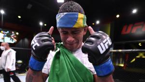 UFC: Gilbert Durinho vence Tyron Woodley e pede disputa de cinturão