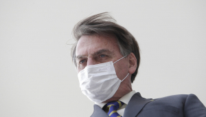 Bolsonaro diz que ação de Anonymous Brasil ao divulgar dados foi 'clara intimidação'