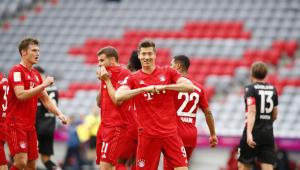 Lewandowski dá show, Bayern massacra o Düsseldorf e se aproxima da taça do Alemão