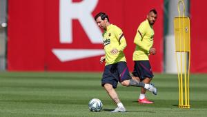 Messi retoma treinos e participa de atividade no Camp Nou