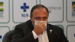 Pazuello continua em hospital no DF após ser internado por desidratação