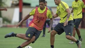 Flamengo renova contrato com Rafael Santos e empresta zagueiro ao APOEL
