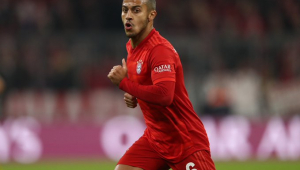 Treinador do Bayern confirma ausência de Thiago Alcântara no clássico com o Dortmund