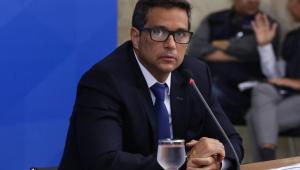 Governo disponibiliza R$ 10 bilhões em empréstimos via maquininha; efeito da pandemia 'ficou para trás', diz Campos Neto