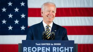 EUA: Biden fica 8 ponto à frente de Trump em nova pesquisa para eleições presidenciais