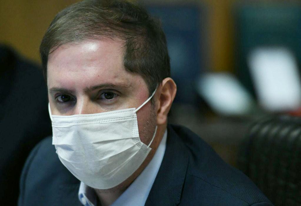 Bruno Bianco de máscara