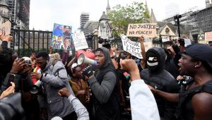 Mark Hamill e Lucasfilm apoiam John Boyega após discurso em protesto antirracista