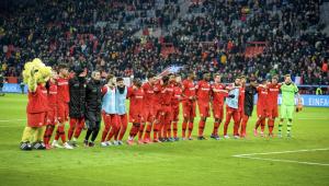 Clubes da Alemanha aprovam volta do público nos estádios