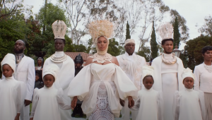 'Black Is King': Beyoncé revela trailer de novo álbum visual inspirado em 'O Rei Leão'