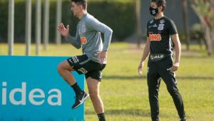 Afastados por Covid-19 voltam, e Corinthians se apresenta com elenco completo
