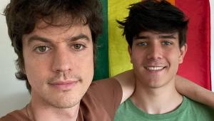 Irmão de Huck, Fernando Grostein posta foto com noivo e fala sobre homofobia