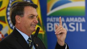 Bolsonaro diz que Dilma propôs 'o mesmo decreto' de privatização das UBS: 'Muda uma palavra ou outra'