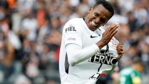 Corinthians pode acertar contratação de Jô nos próximos dias