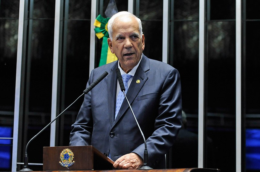 Senador Oriovisto Guimarães espera que projeto aprovado pelo Senado não passe na Câmara