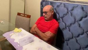 Após determinação do STJ, Queiroz deixa condomínio para voltar ao regime fechado