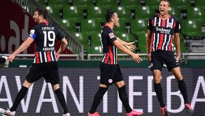 Eintracht Frankfurt bate Werder Bremen fora de casa e complica luta do time contra o rebaixamento