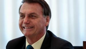 Cloroquina poderá ser comprada com receita simples na farmácia, diz Bolsonaro