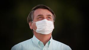 Bolsonaro assina MP que destina R$ 1,99 bilhão para viabilizar vacina contra Covid-19