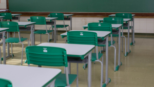 Samy Dana: Dar vouchers aos estudantes pode melhorar a educação?