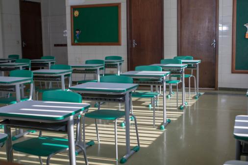 Ano letivo de 2020 pode 'invadir' 2021, avalia secretário da Educação de SP