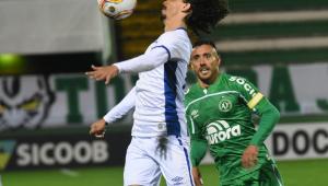 Presidente da Chapecoense diz que jogadores estavam se prevenindo contra a Covid-19