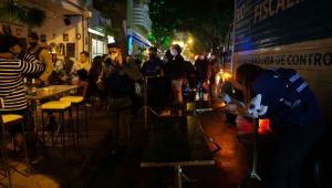 Guarda Municipal interrompe festa de casamento no Rio