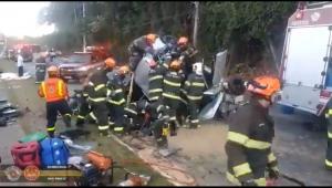 SP: Acidente envolvendo três carros deixa oito feridos na zona sul