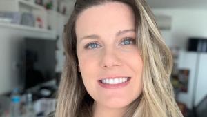 Com foto da barriguinha, Daiana Garbin revela nome de filha com Tiago Leifert