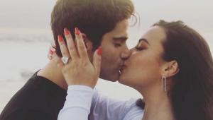 Max Ehrich diz ter descoberto fim de noivado com Demi Lovato por sites de fofoca
