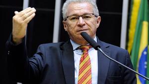 Deputado Assis Carvalho (PT-PI) morre após sofrer infarto