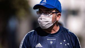 Enderson Moreira vê Cruzeiro forte para a Série B: 'Quem nos enfrentar, vai sentir na pele'