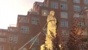 EUA: Estátua de Cristóvão Colombo é derrubada por manifestantes em Baltimore