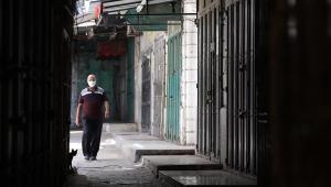 Após novo avanço da Covid-19, Palestina decreta estado de emergência