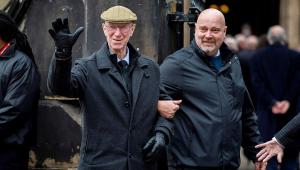 Jack Charlton, campeão da Copa pela Inglaterra e ídolo do Leeds, morre aos 85 anos