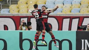 Flamengo vence Fluminense por 2 a 1 e sai em vantagem na decisão do Carioca