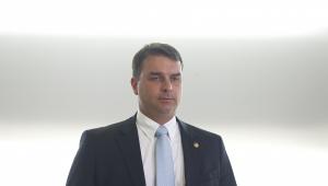 MPF prorroga inquérito sobre vazamento de operação da PF para Flávio Bolsonaro