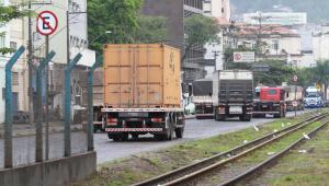 Balança comercial tem superávit de US$ 7,463 bi em junho