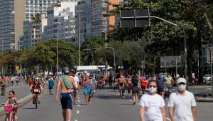 Áreas de lazer atraem milhares de cariocas no primeiro domingo pós-reabertura
