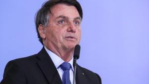 Bolsonaro admite debate sobre 'furar' teto de gastos e diz que prorrogação indefinida de auxílio é demagogia