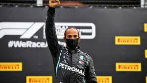 Hamilton critica postura da Ferrari na luta contra o racismo: 'Não ouvi uma palavra sequer'