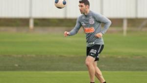 Tiago Nunes aprova 1º treino e vê Corinthians preparado em até 30 dias