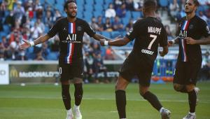 Com torcida nas arquibancadas, Neymar marca dois em goleada do PSG por 9 a 0