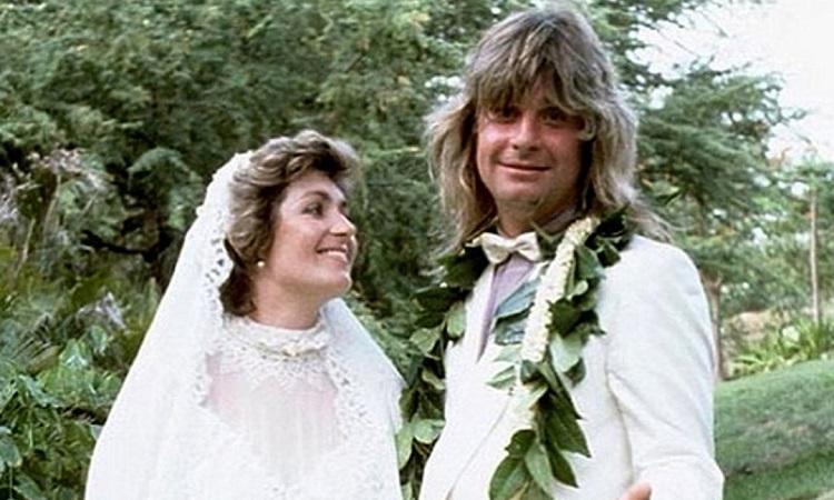 Sharon Osbourne se declara a Ozzy no aniversário de 38 anos de casamento – Jovem Pan