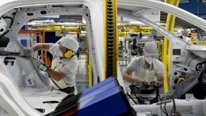PIB caiu 10,5% no trimestre encerrado em maio, diz FGV