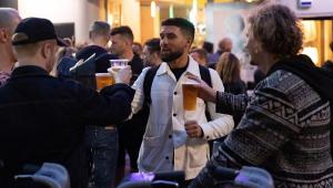 Volta dos pubs na Inglaterra foi mais tranquila do que o esperado