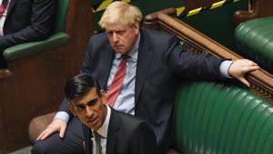 Rishi Sunak se destaca no enfrentamento da crise causada pela pandemia no Reino Unido