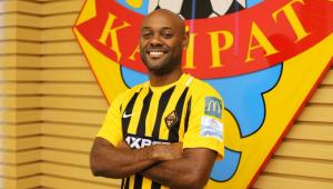 Vagner Love assina contrato de seis meses com clube do Cazaquistão