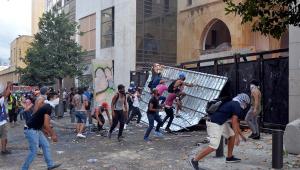 Beirute, capital do Líbano, registra segundo dia consecutivo de protestos